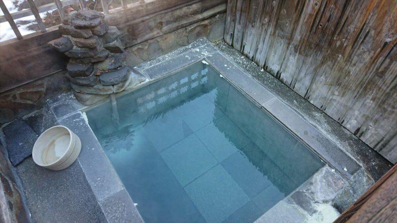 加仁湯のロマンの湯の大きさ