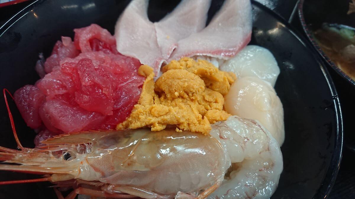 塩釜水産市場の「マイ海鮮丼」は超おススメなので楽しみ方を紹介!