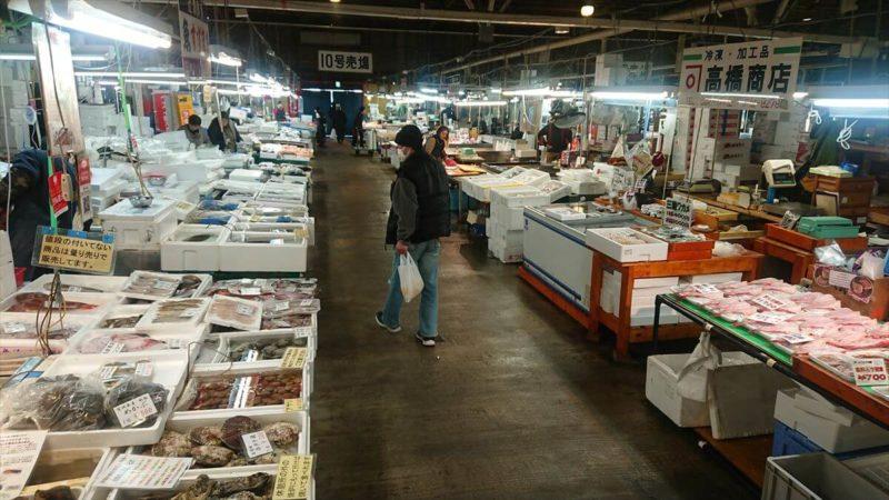 塩釜水産市場の混雑状況
