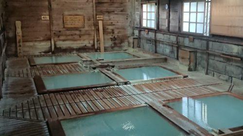 栃木県最古の温泉【那須温泉】鹿の湯で日帰り入浴を堪能!