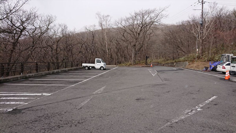 北温泉旅館の駐車場