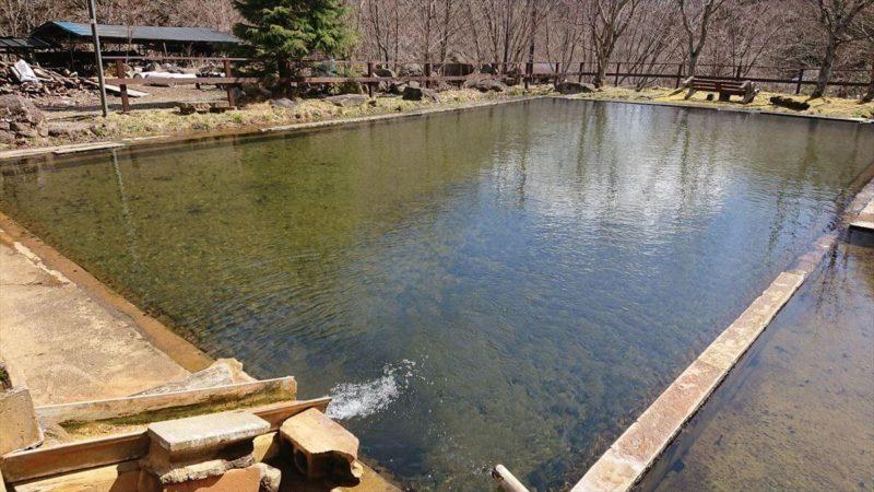 北温泉旅館の泳ぎ湯(温泉プール)
