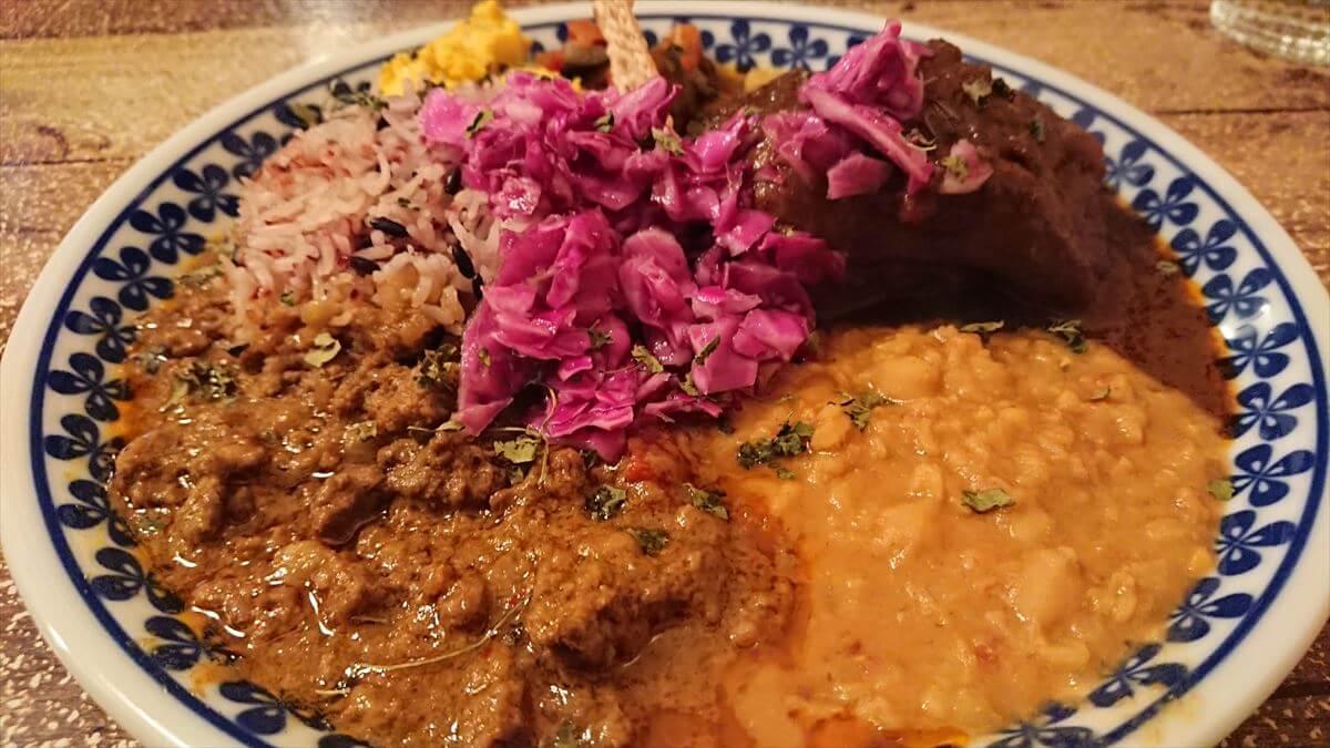 越谷市せんげん台の「モクロミ」でスパイスカレーを食す