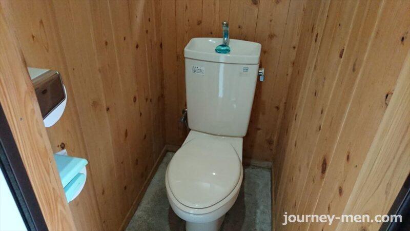 白岩渓流園キャンプ場のトイレ